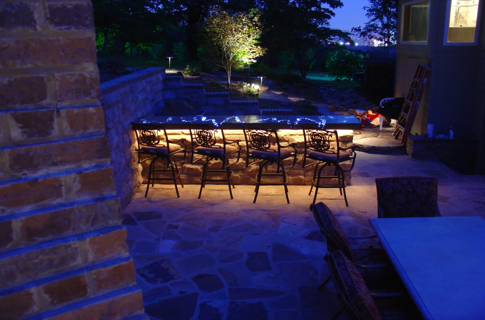 Awesome-Fiber-Optic-Countertop-Outdoor-Kitchen