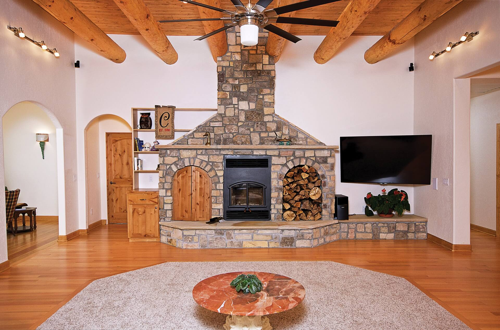 great-room-design-southwestern-in-the-south-1